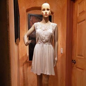 GB GIANNI BINI dress  sz  Jr 5 Ecru crochet lace